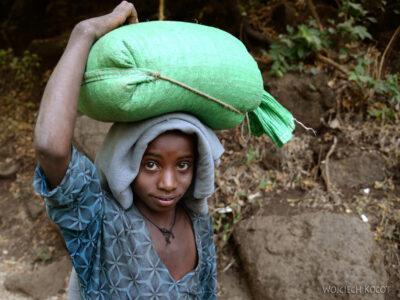 Et03022-Okolice wodospadu Blue Nile-ludzie