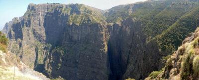 Et06022-Góry-Simien-treking-wodospad