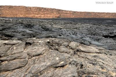 Et12028-Pola lawowe przy wulkanie