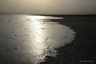 Et13198a-Danakil 3-nad słonym jeziorem Lake Karum