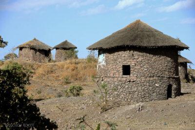 Et16004-Lalibela-domy