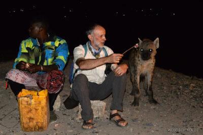 Et16219-Harar-karmienie hien