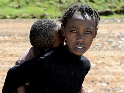 Et21156-W wiosce Dorze-dzieci