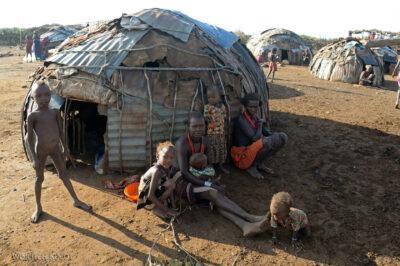 Et23101-Wioska Omorate plemienia Dasenech-domy