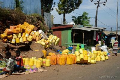 Et24135b-Bazar uKonso