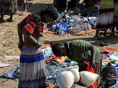 Et24169-Bazar uKonso-ludzie