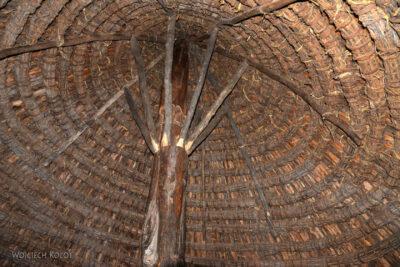 Et24276-W wiosce Gamole plemienia Konso-domy