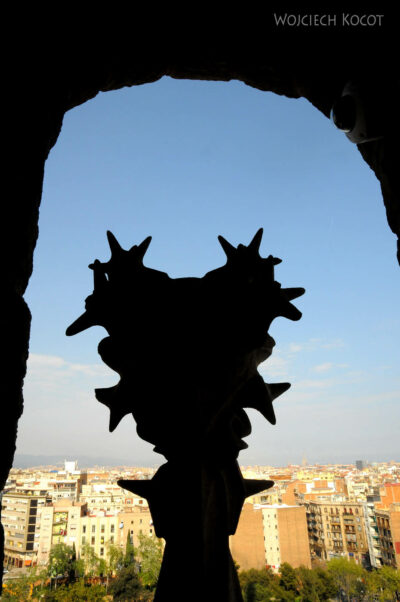 Basz027-La Sagrada Familia-w wieżach wschodnich