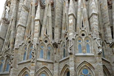 Basz028-La Sagrada Familia-fragm ściany północnej