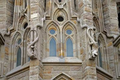 Basz031-La Sagrada Familia-fragm ściany północnej