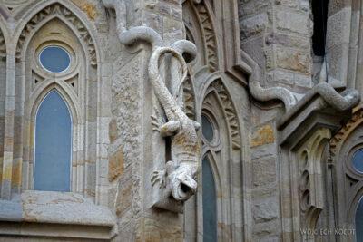 Basz032-La Sagrada Familia-fragm ściany północnej