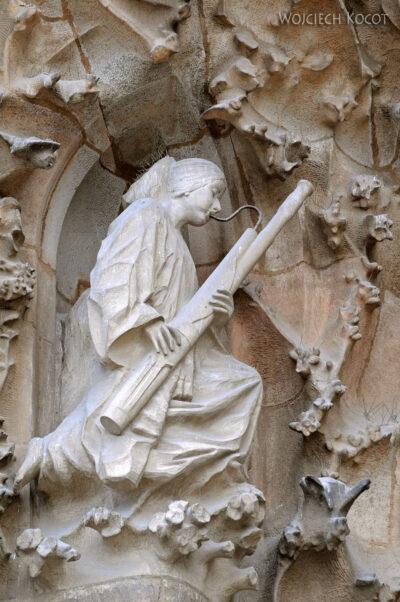 Basz053-La Sagrada Familia-fasada Bożego Narodzenia-wschodnia
