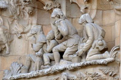 Basz056-La Sagrada Familia-fasada Bożego Narodzenia-wschodnia