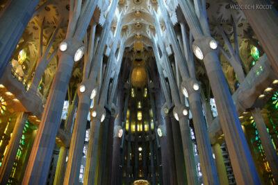 Basw002-La Sagrada Familia-wnętrze