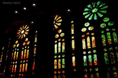 Basw018-La Sagrada Familia-wnętrze