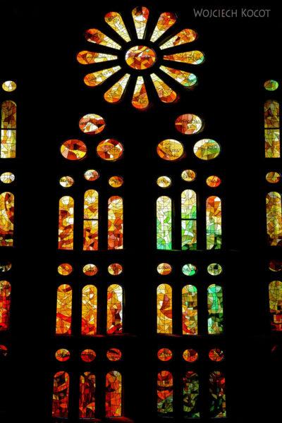 Basw020-La Sagrada Familia-wnętrze