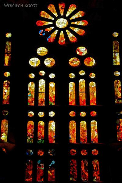 Basw021-La Sagrada Familia-wnętrze