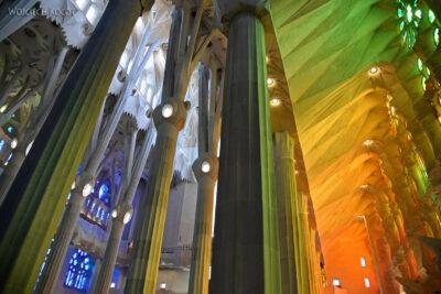 Basw032-La Sagrada Familia-wnętrze