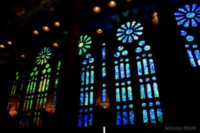 Basw040-La Sagrada Familia-wnętrze