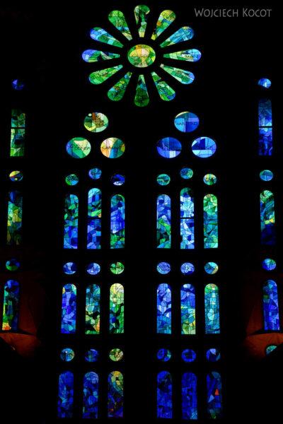 Basw042-La Sagrada Familia-wnętrze