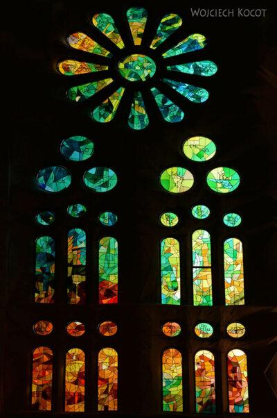 Basw045-La Sagrada Familia-wnętrze