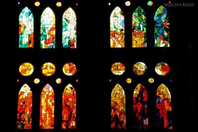 Basw046-La Sagrada Familia-wnętrze