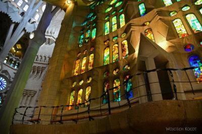 Basw050-La Sagrada Familia-wnętrze