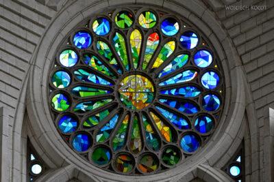 Basw061-La Sagrada Familia-wnętrze