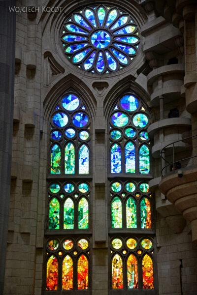Basw065-La Sagrada Familia-wnętrze