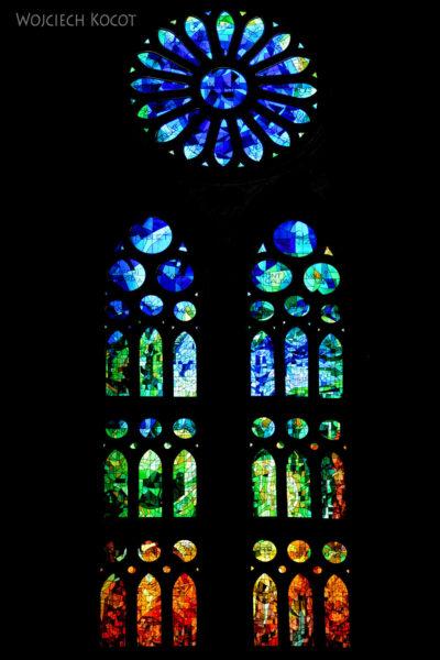 Basw066-La Sagrada Familia-wnętrze