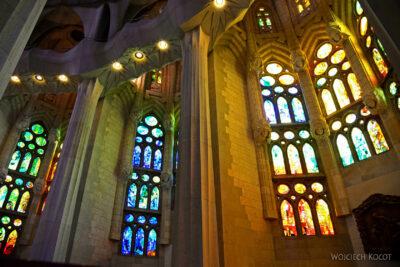 Basw074-La Sagrada Familia-wnętrze