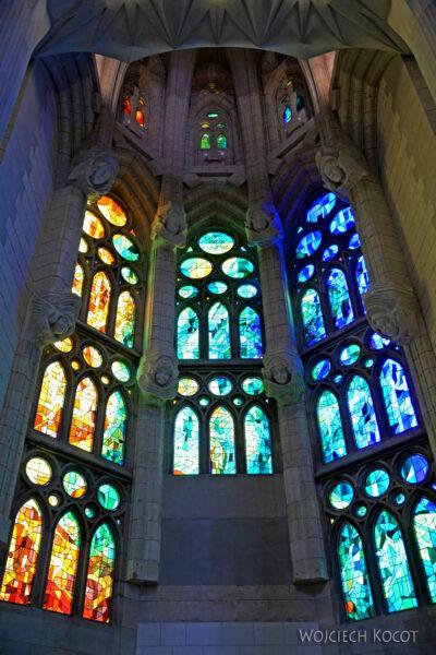 Basw076-La Sagrada Familia-wnętrze