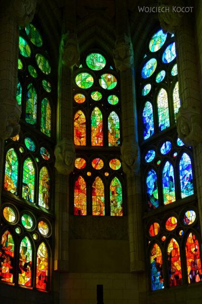 Basw078-La Sagrada Familia-wnętrze