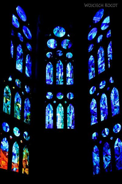 Basw079-La Sagrada Familia-wnętrze
