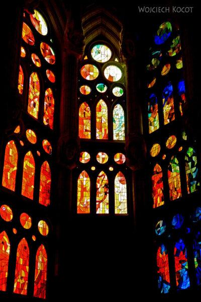 Basw082-La Sagrada Familia-wnętrze