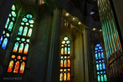 Basw083-La Sagrada Familia-wnętrze