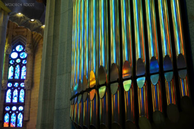 Basw084-La Sagrada Familia-wnętrze