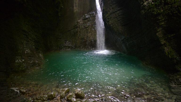 Toh017-do wodospadu Kozjak
